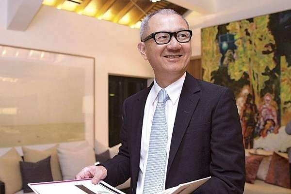 曾為一幅兩千五畫作花掉半年積蓄,他現在轉手一幅畫淨賺數十億…收藏巨擘陳泰銘的雙棲之路