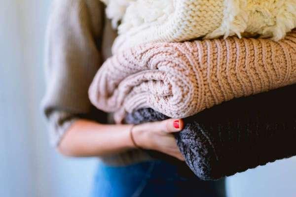 防疫期間最不該穿「毛線衣」?網傳毛衣易吸附病毒,醫師:這種要命習慣更易釀成防疫漏洞