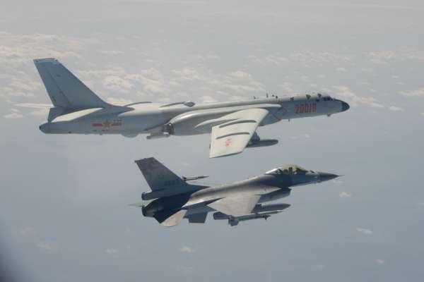 共機連兩日擾台!今更跨越海峽中線 國防部:F-16戰機伴飛監控