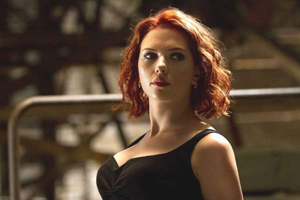 當今片酬最高女演員!史嘉蕾喬韓森如何從試鏡失敗無數次「跑龍套小妹」,成影視歌三棲女神