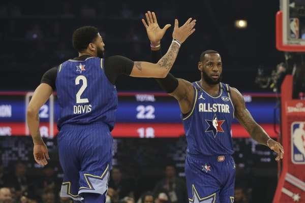 NBA全明星賽》戴維斯兩罰中一率「詹姆斯隊」逆轉勝 卻自曝故意罰丟第一球