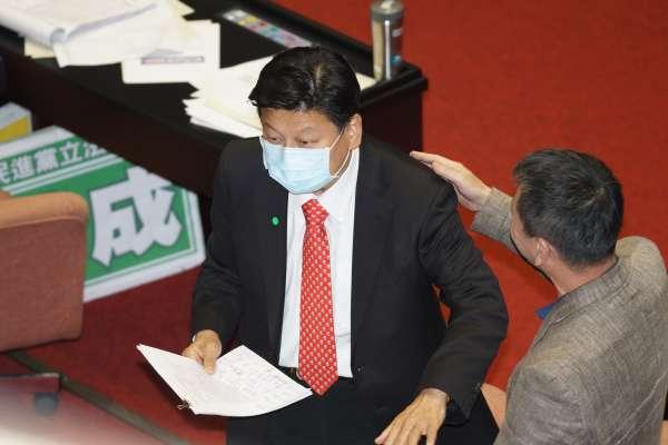 傅崐萁向中央呼籲  「免費打疫苗 全民救台灣」