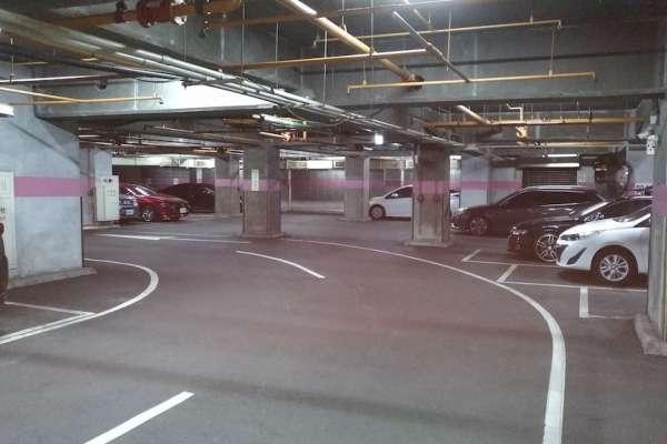高市住商大樓附設停車空間共享 3/7起機慢車禁行左營高架橋