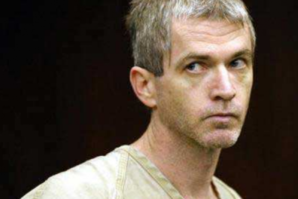 身披白袍、針筒行刑,受人器重的溫柔護士16年殺四百人…美國史上「最多產」殺手翻拍電影