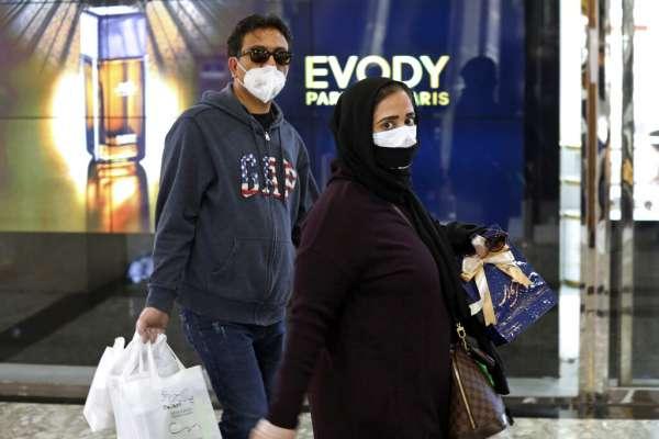 口罩和消毒劑竟然得去黑市買!伊朗民眾超火:政府到底在幹嘛?