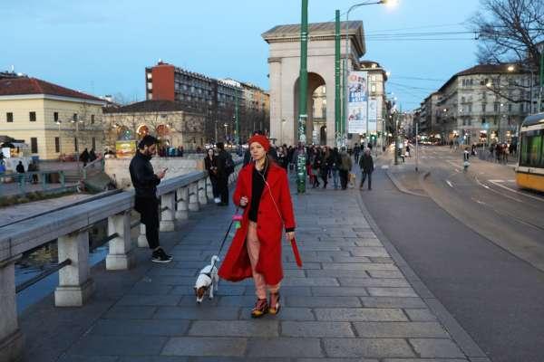 「我剛遇到鄰居並親他的臉!」義大利人不怕武漢肺炎高呼:我就是要過「正常」生活