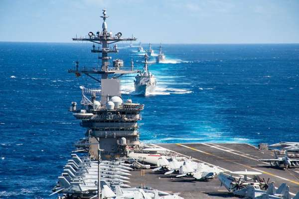 「現在不是戰時,沒必要讓弟兄犧牲!」避免航母群聚感染,美軍同意大批羅斯福號水兵下船