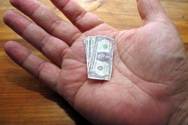 富人思維:把現金變資產,而抱著現金不放的你...只是奴隸!