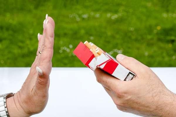 戒菸其實有技巧?日本學者破解「三分鐘熱度」:不是意志力薄弱,只是不懂方法