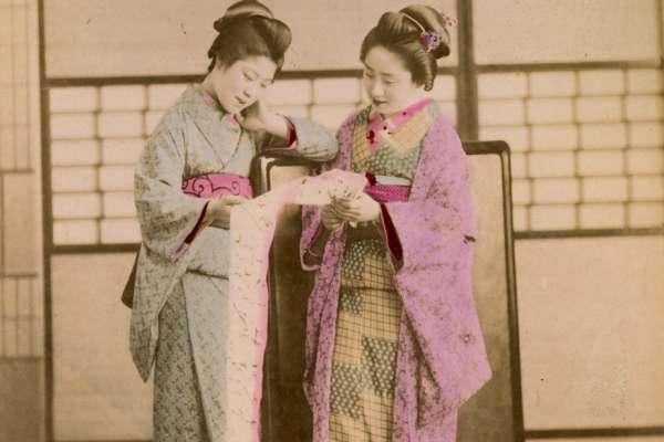日本藝伎千年前影像曝光!乘坐人力車、彈奏三味線…明治時期藝伎美艷容貌珍貴重現
