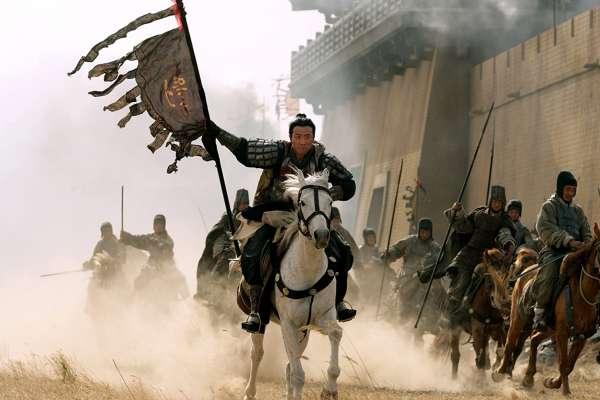 關羽、張飛都萬夫莫敵,「常敗將軍」劉備憑什麼當老大?揭密他收服猛將的超凡領導魅力