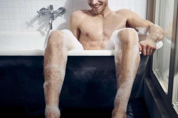 華爾街日報》多久洗一次澡才對?好萊塢巨星各說各話,連醫生之間也有激烈爭論