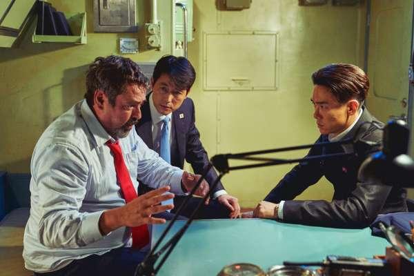 南北韓真的想統一嗎?《鋼鐵雨:深潛行動》揭相愛相殺70年最後結局