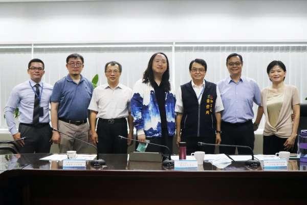 加速應用數位發展 中市府向唐鳳與數位專家取經