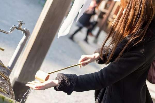 日本神社入口的洗手亭到底該怎麼做?日本禮儀專家傳授簡單五步驟:沒漱口就是外行人
