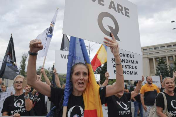 YouTube打擊美國極右陰謀論組織「匿名者Q」 曾散布不實謠言稱民主黨人有戀童癖