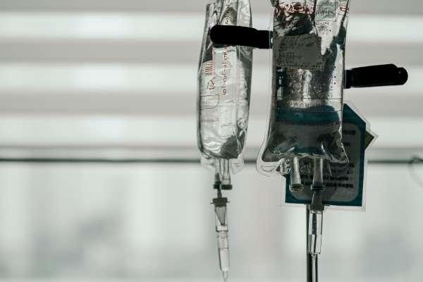 「阿嬤沒心跳了!」曾簽放棄急救同意書還要救嗎?護理師全程參與搶救過程,悟出沉痛解答