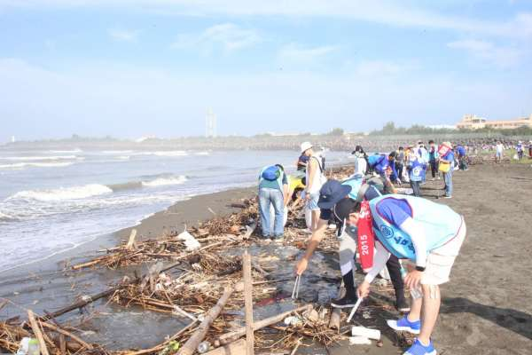 台船公司大淨灘活動  帶動社會潔淨海洋與守護生命風潮