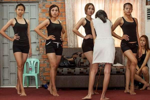 立法禁止女性衣著太暴露 柬埔寨女性群起反擊:我的身體我選擇!