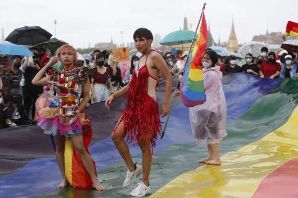 微笑國度的彩虹力量!篤信民主帶來權利 泰國LGBTQ族群參與反政府示威運動