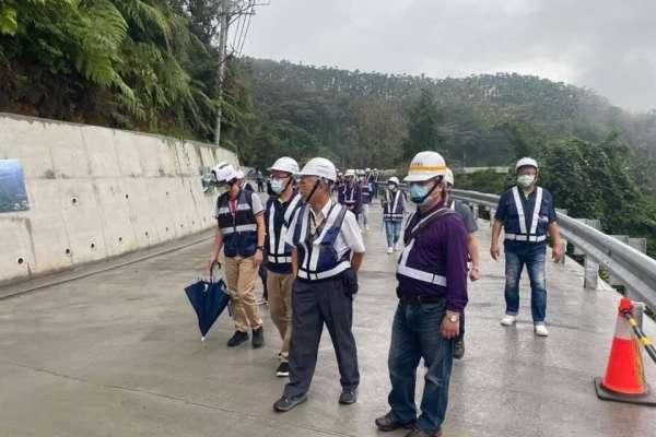 懸臂式棧橋工法生態共生 輕量開發拚工程金質獎
