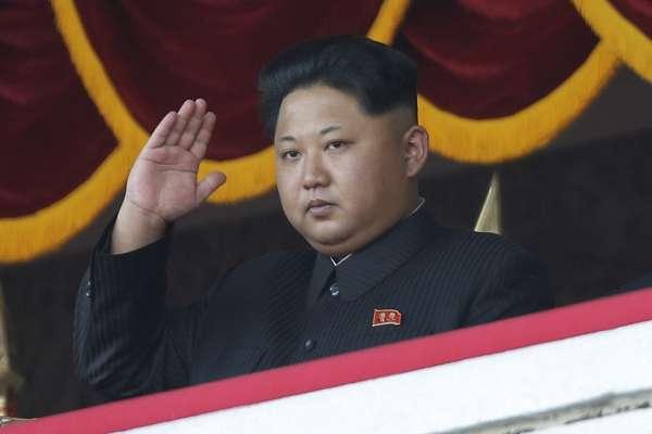 金正恩又怎麼了?北韓大閱兵竟在凌晨舉行,官方媒體隻字不提
