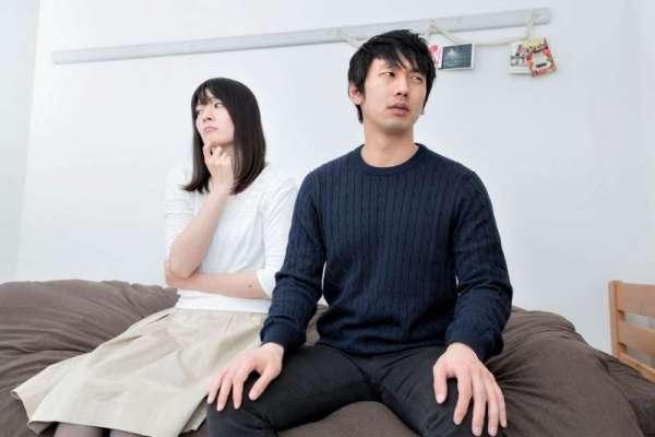 追劇追到一半,原本恩愛的情侶為何直接鬧分手?心理師揭情侶吵架的關鍵導火線