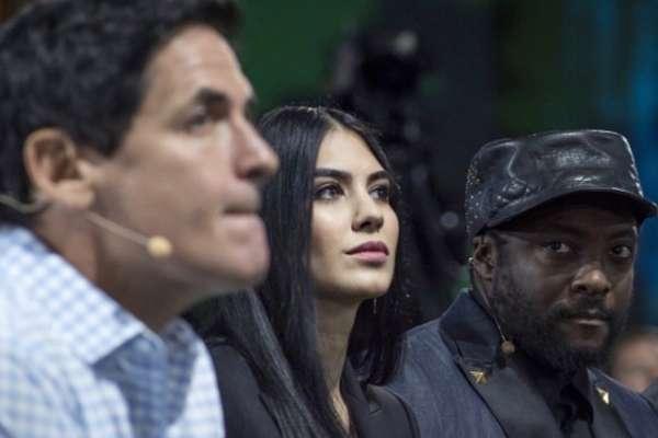 13歲就立志改變世界!她在戰亂中成長、26歲開公司…伊朗正妹只賣「連結」一年賺到5億美元