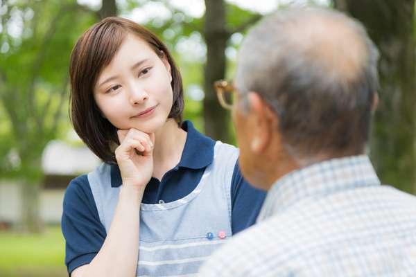 聽到別人一直碎碎念,怎麼做才能左耳進右耳出?心理師教你超強絕招,讓你把注意力放在對的地方