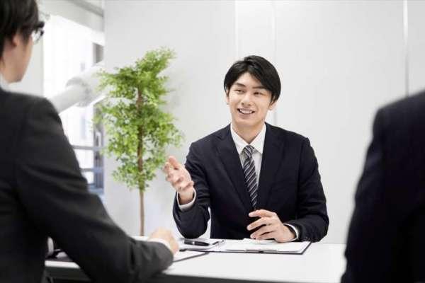 想轉職,你可以做個超級業務!沒有好口才、臉皮不夠厚,他靠一個方法月達成率200%