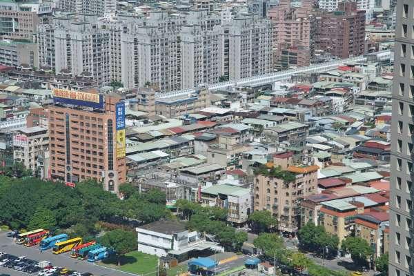 不只生活正常到詭異!2020年台灣人搶購口罩也搶買房,六都房市交易量創7年新高!