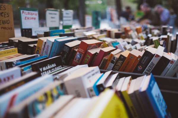 暢銷書作家多數都是買榜的?她揭出書後才知道的背後內幕,真有人自己花錢買書當名片