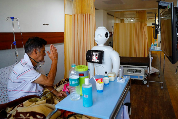 新冠疫情全球第二慘,機器人軍團緊急出陣!印度醫院配置機器人協助,深獲醫護與病患喜愛