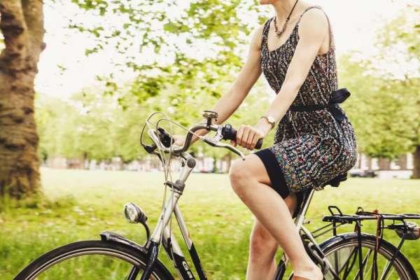只是坐著、什麼都沒做膝蓋就很痛?醫生公開一個簡單的動作,幫你改善膝蓋問題