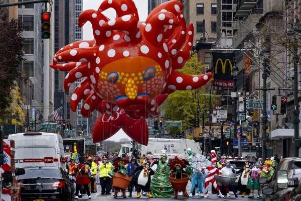 疫情下的感恩節》紐約梅西百貨遊行規模大縮水,百萬民眾夾道盛況不再