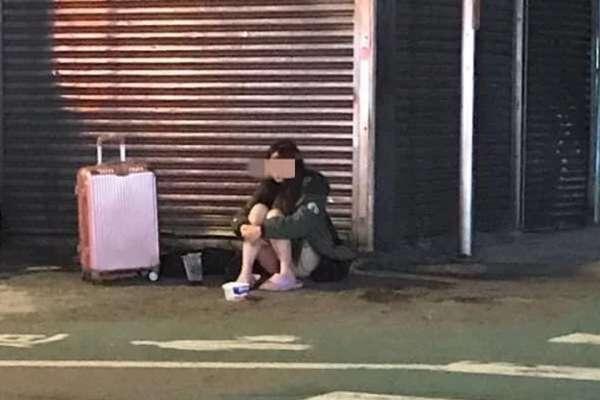 24歲女子拒當啃老族,上街乞討賺生活費…心理師揭行乞年輕化的殘酷真相