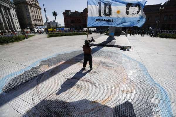 李忠謙專欄:阿根廷人的榮耀與悲傷—馬拉度納之死