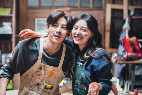 Netflix推薦12月片單!韓國懸疑片《聲命線索》、韓劇《愛在大都會》…盤點年末必看8部超夯韓國影劇