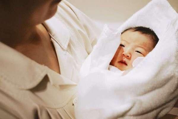 老公從懷孕就不在身邊!她崩潰道出「偽單親」媽媽內心最痛苦的掙扎