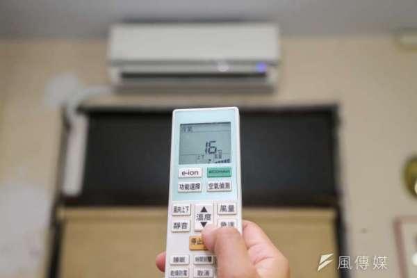 看電視、吹冷氣,碳排量竟比建築本身還高?專家揭開一般人所不知道的「碳足跡」秘密
