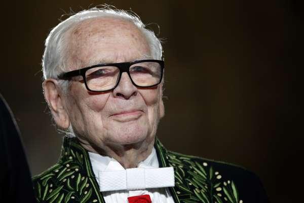 法國設計師皮爾卡登98歲逝世:雙性戀情史、打開中國時尚之門……回顧「時尚之神」傳奇一生