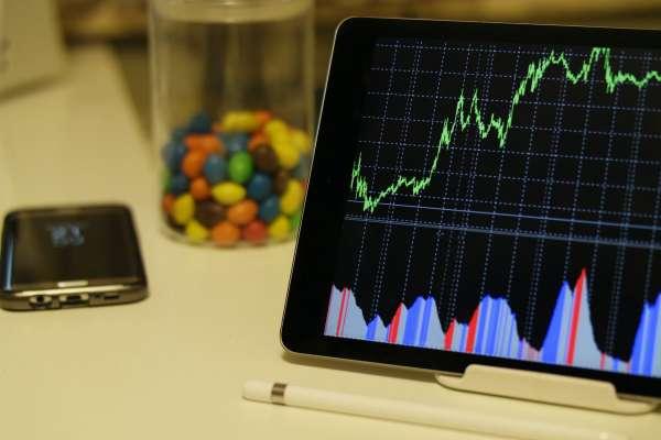 ESG投資是什麼,為何可以帶你賺更多錢?3個證據揭它獲利真相,選擇這些公司有好無壞
