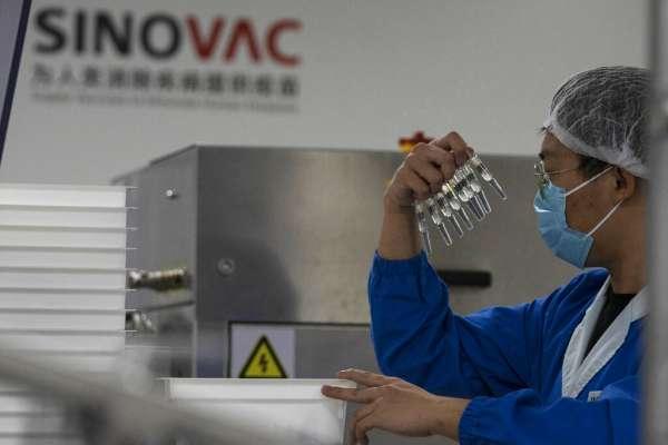 巴西再度調降中國新冠疫苗保護力,《環時》忙護航:實驗數據已經夠好了
