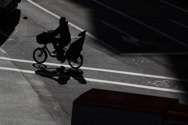 李忠謙專欄:「若能回到工作中獨處,我會是一個更好的媽媽」新冠大疫下,家庭工作兩頭燒的母親們