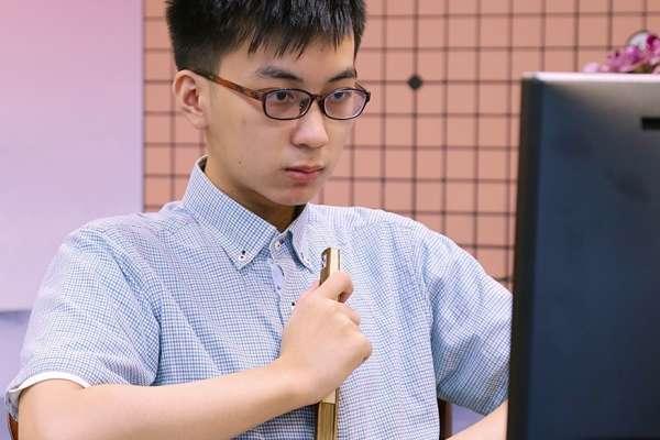 兩岸圍棋第一人之戰!未滿20歲的台灣新棋王許皓鋐,將與世界第一高手柯潔正面對決
