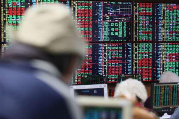 誰說1,000元股王都是電子股?三大原因,亞德客股價一年來瘋漲逾100%