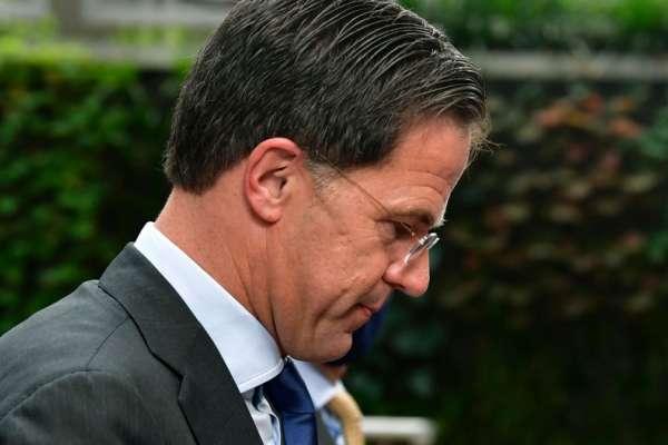 育兒津貼爆醜聞、涉嫌種族歧視!荷蘭上萬家庭遭誤控詐欺 總理呂特率內閣總辭負責