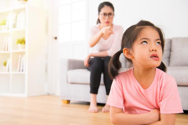 小孩不乖,媽媽最愛說「我數到三…」別再使用這方法了,會讓小孩養成3種壞習慣!