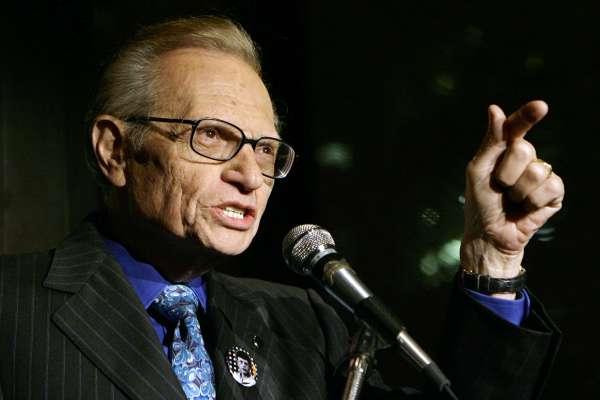 縱橫電視圈逾半世紀,美國傳奇主持人賴瑞金87歲病逝,先前罹患新冠肺炎