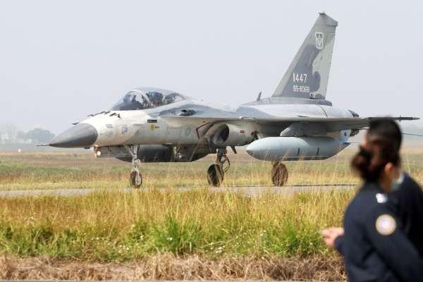 IDF戰機降落澎湖驚傳衝出跑道 人機均安